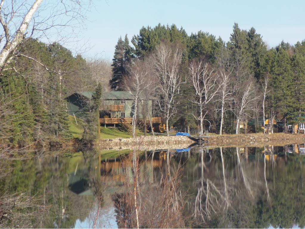 Awesome Buck Lake Year Round Home!