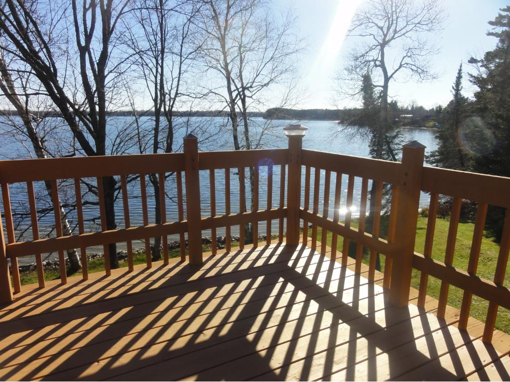 Upper Deck Sunny Views of good fishing and swimming lake!