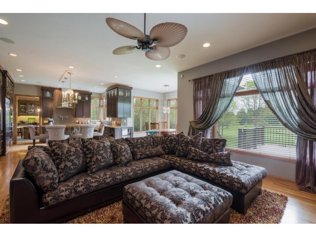 Open Concept Kitchen, Living room and Breakfast Nook