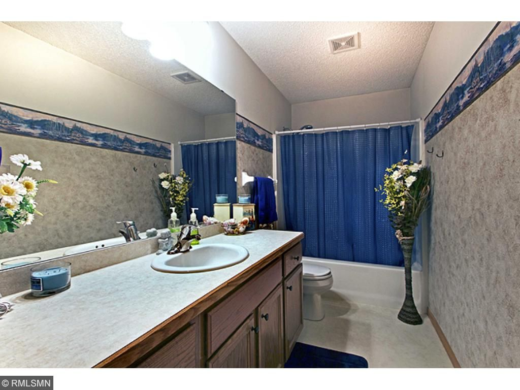 Bathroom - Main Level