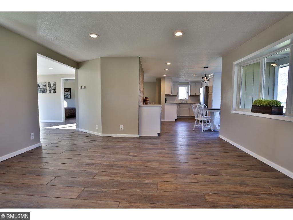 Nice open floor plan to living room.