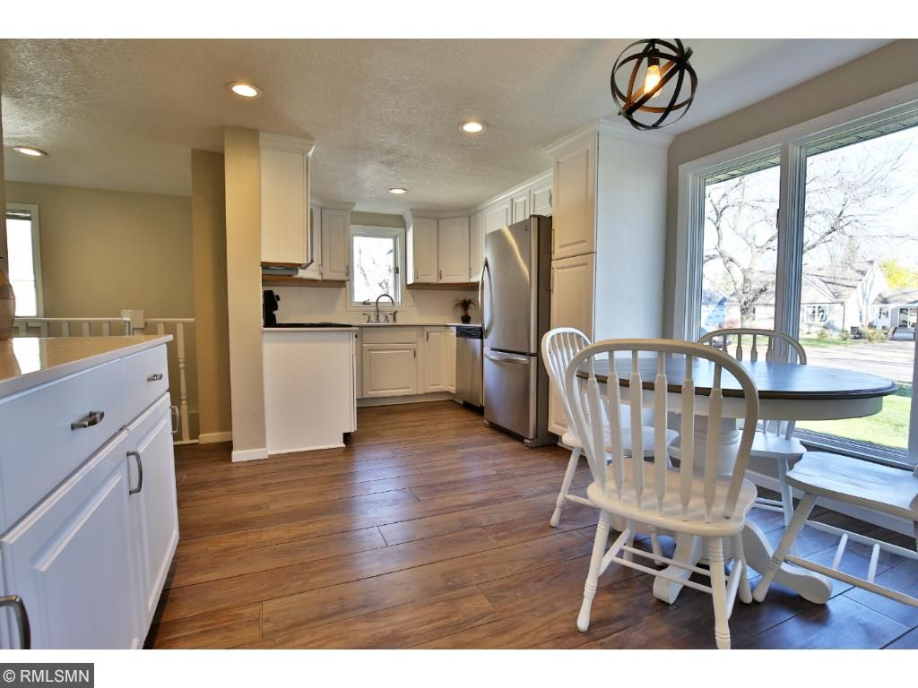 Beautiful kitchen with dining room