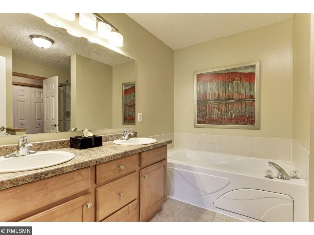 Master Bath Is Fantastic Walkthru!