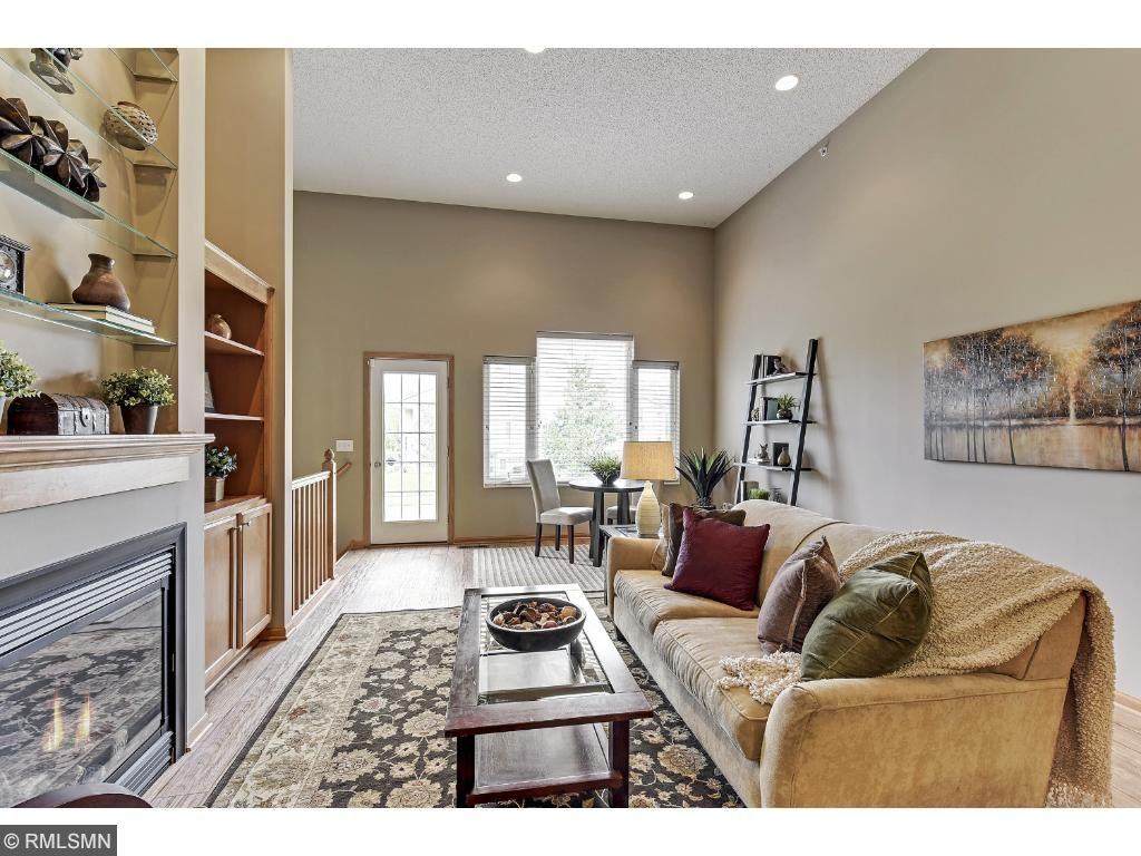 Overlook Your Comfy Family /Living Room Area w/ Beauty Gas Fireplace