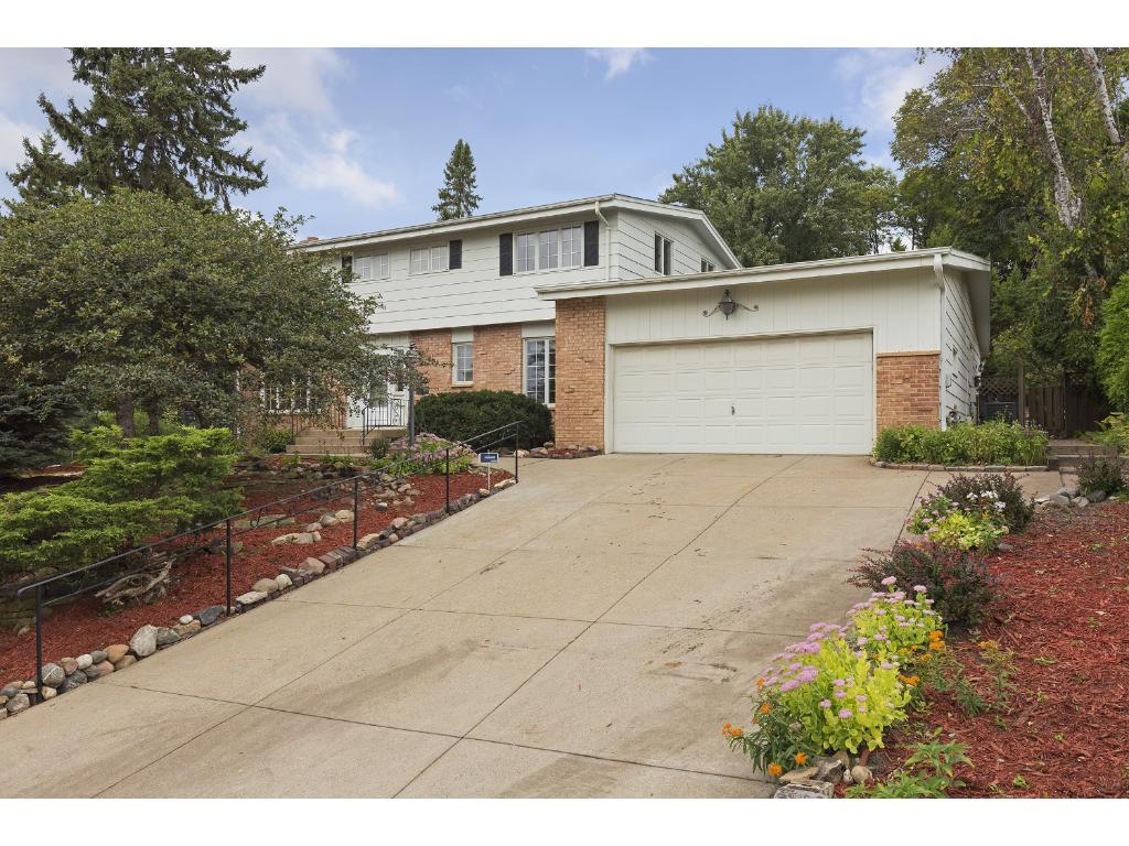 Situated on a culdesac and conveniently located within minutes of the Southdale shopping area