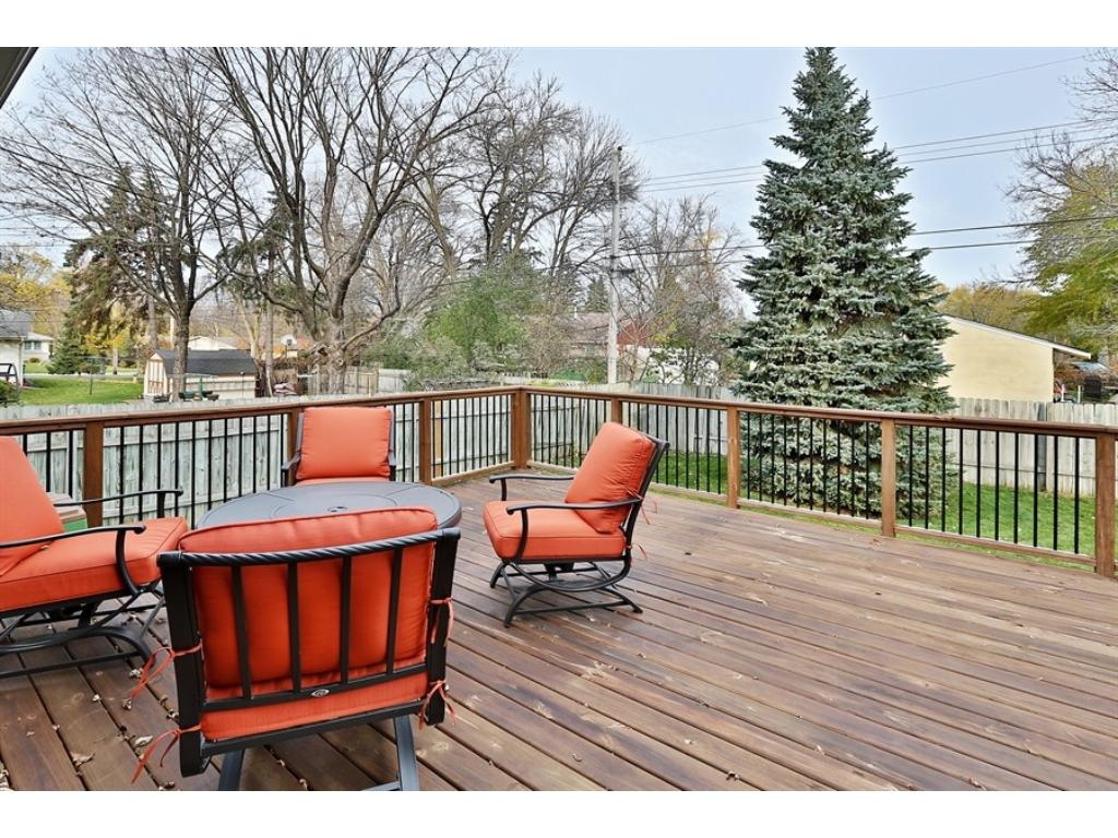 Newer, party-sized deck is great for entertaining family and friends!
