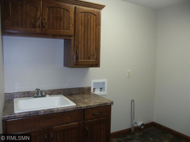 Very spacious main floor mud room has separate laundry room, walk-in closet, half bath, Home has tons of closets and linen closets