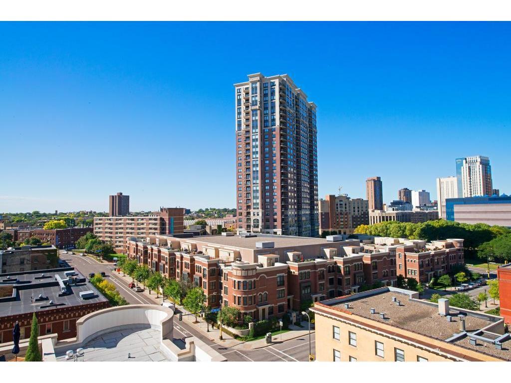 500 E Grant Street #806, Minneapolis, MN 55404
