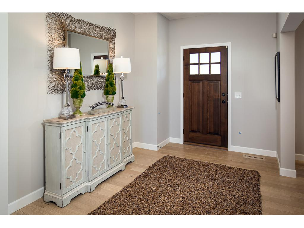 Wide foyer to great guests