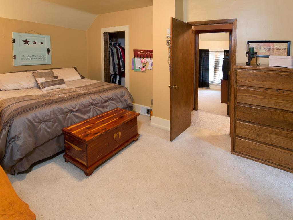 Check out this master!  Spacious!  Again with a great walk in closet!