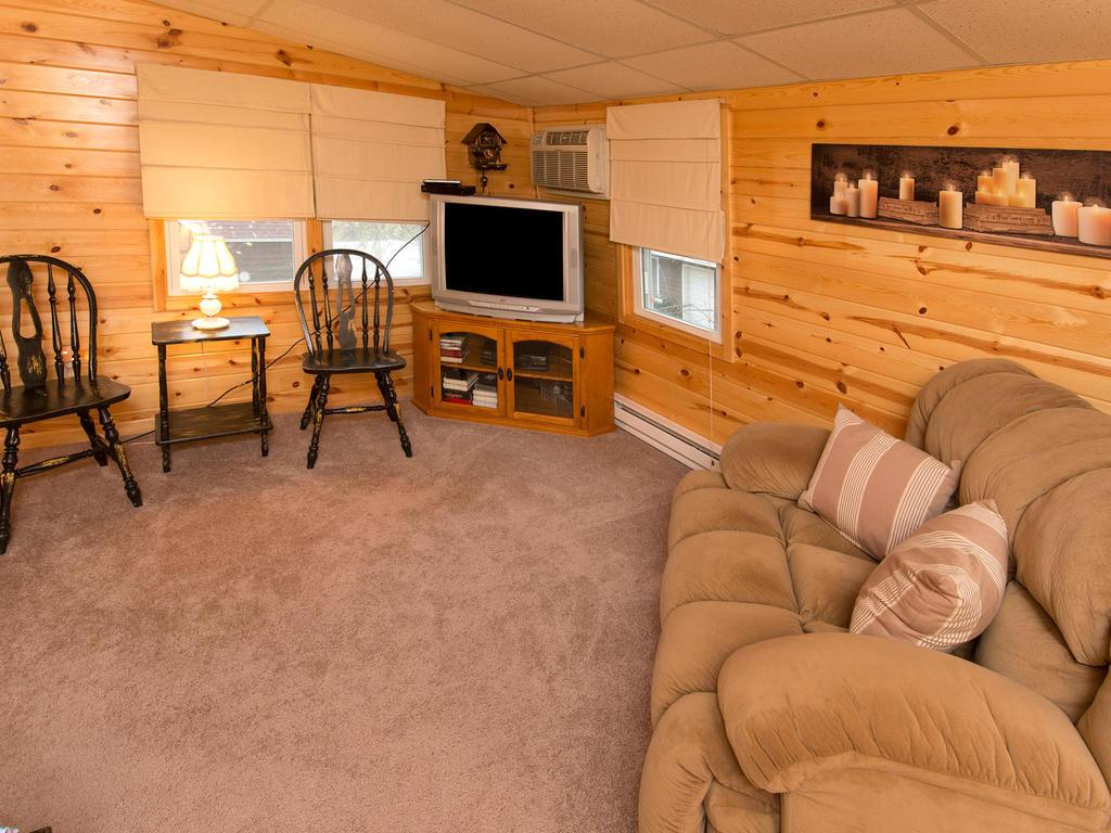 Wow...This space is amazing!  Endless possibilities...den, nursery, play room, another bedroom.