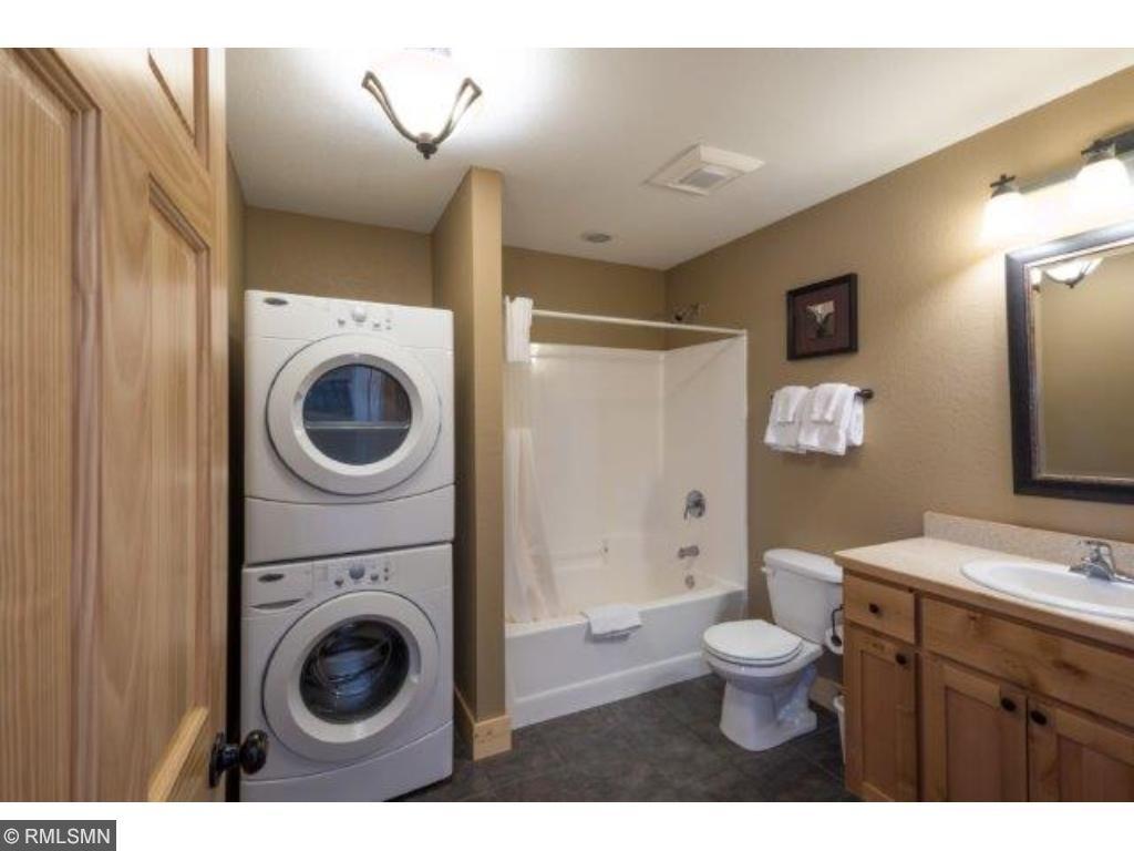 Main Fl bath/laundry