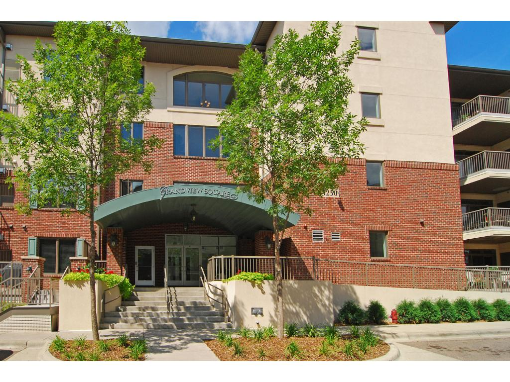 Grandview Square offers hard to find one level living in the heart of Edina with some fabulous amenities