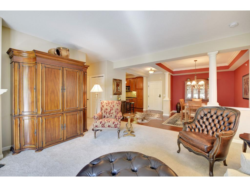 The 9' ceilings throughout this condo provide a very open and spacious feel