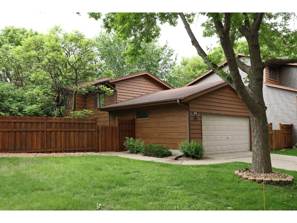 5342 Emerald Way, Apple Valley, MN 55124 | MLS: 4836551 | Edina Realty