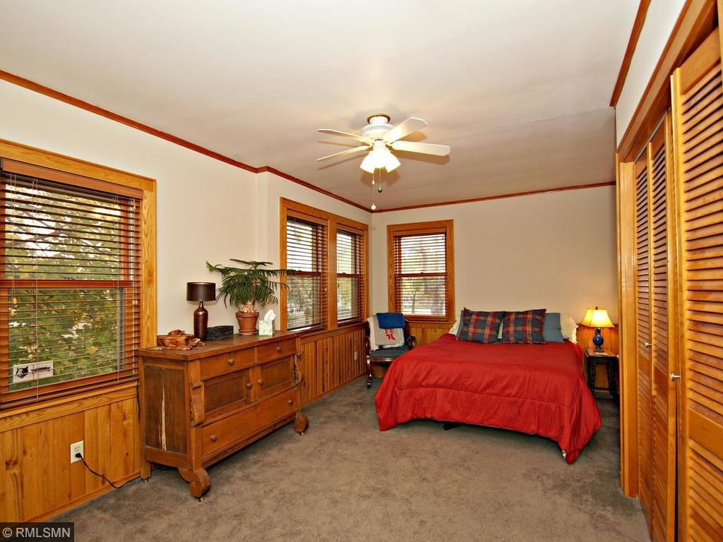 Large second bedroom with lots of windows and large closet, freshly painted!