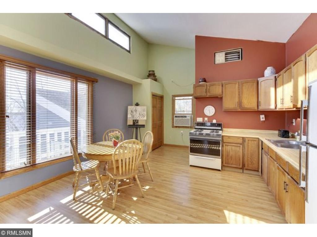 Apartment above garage also features ample windows for enjoyment of lake and southern sunshine.