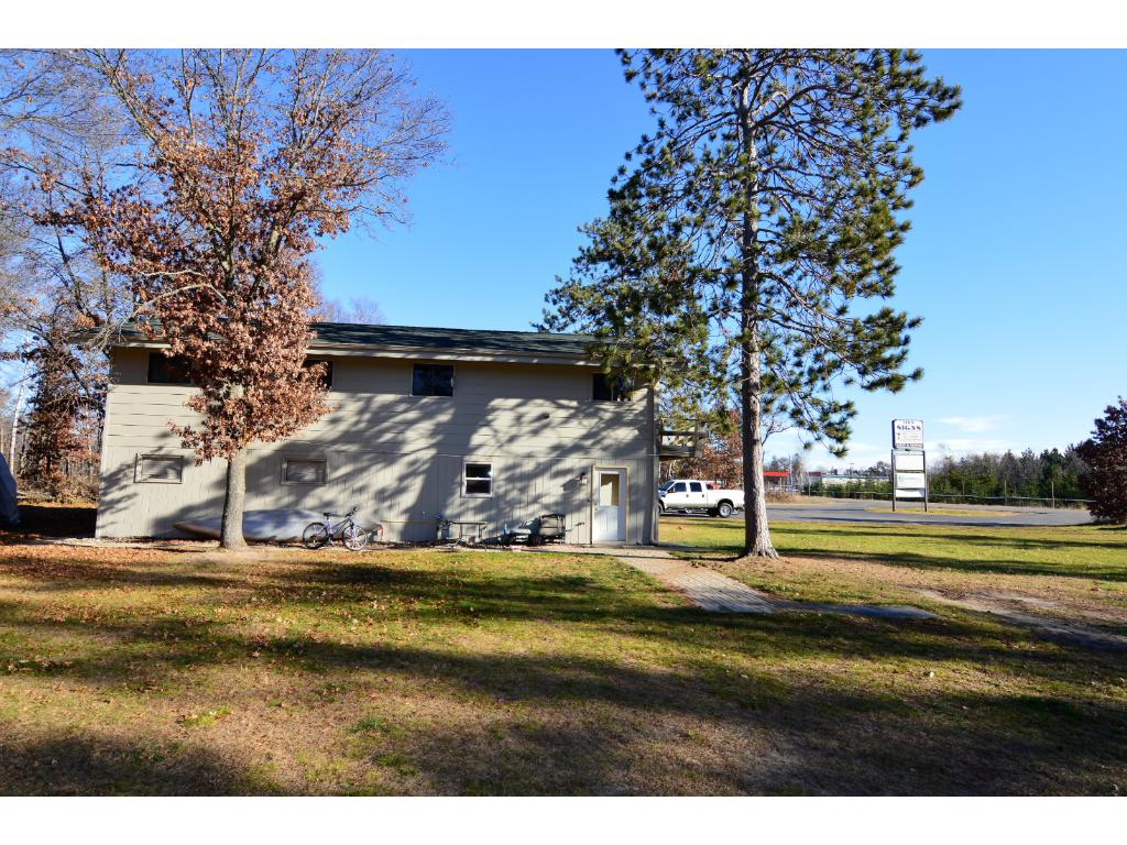 Located right off HWY 371 for easy access. Close to several lakes, mini golf, gas station, resturants and more!