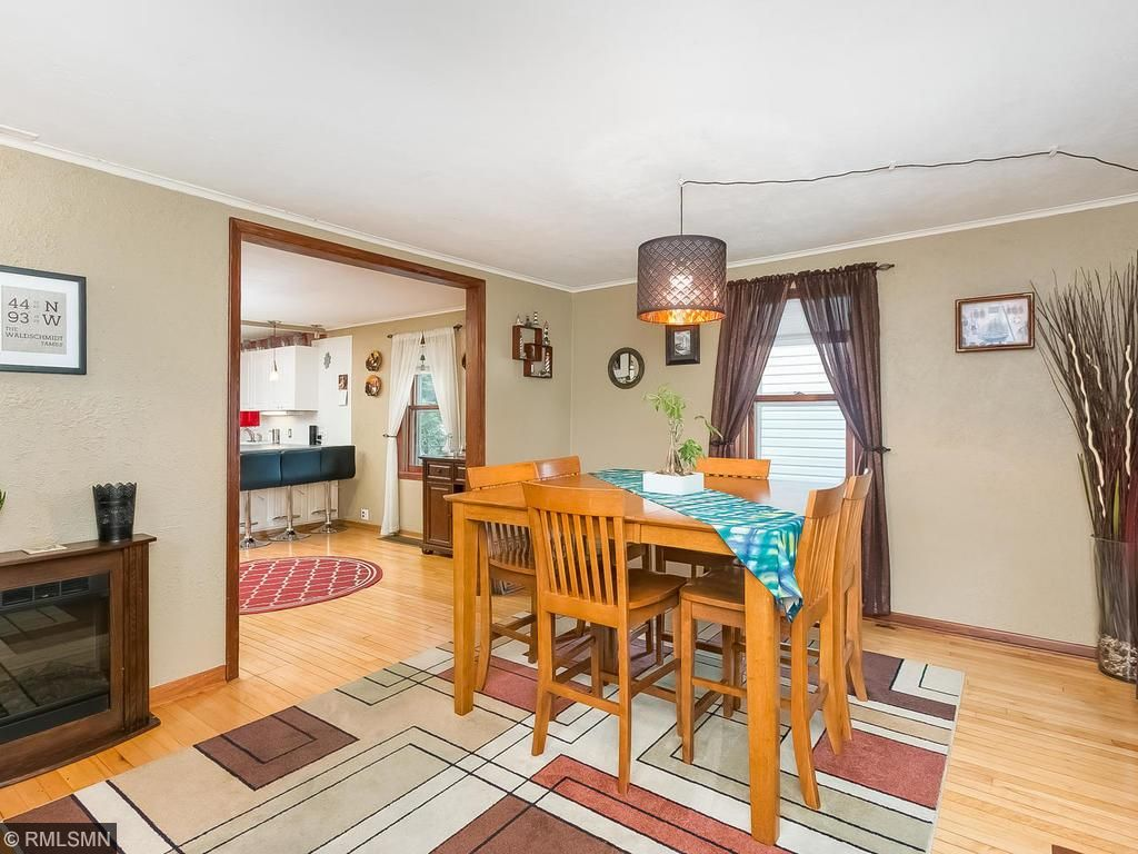 Flexible space throughout the entire home!  Use this room as a Dining or Sitting room!