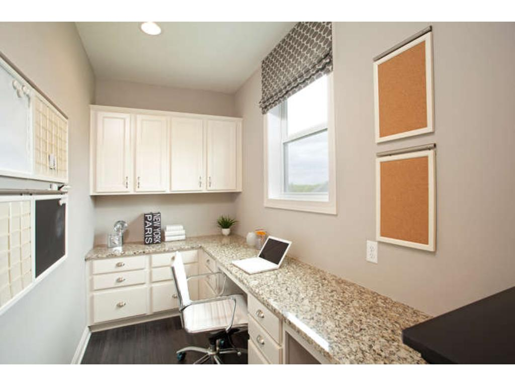 Photos of a Riverton Model (same floor plan, but finishes and options may vary) - Pulte Planning Center