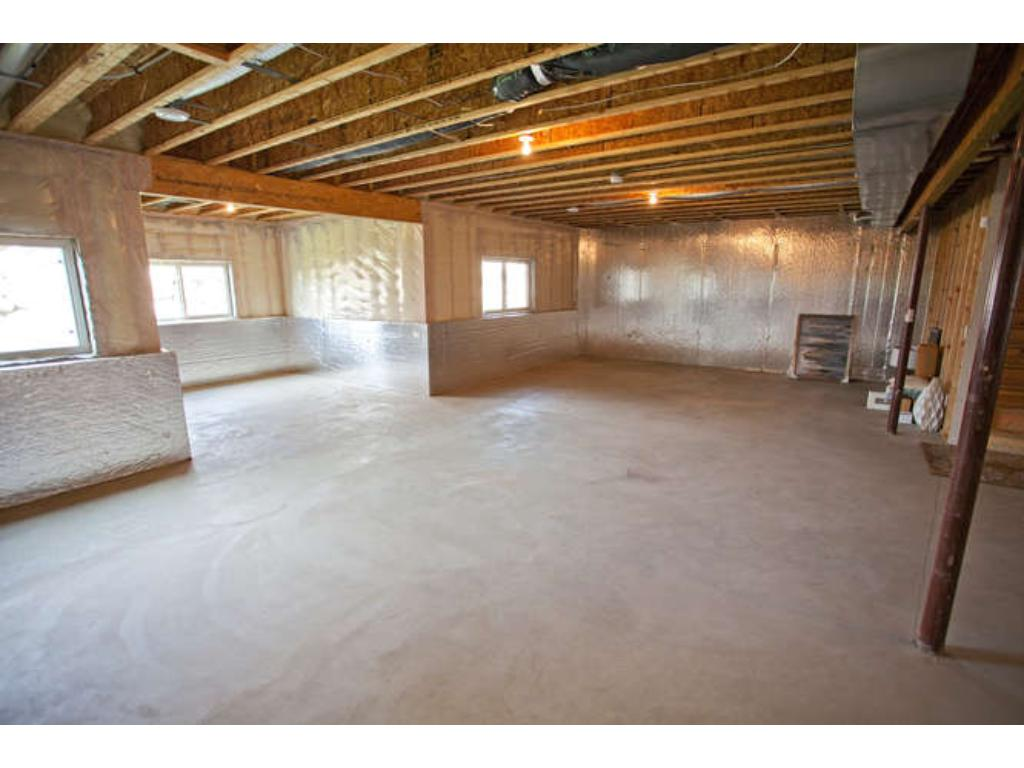 Photos of a Riverton Model (same floor plan, but finishes and options may vary) - Spacious basement