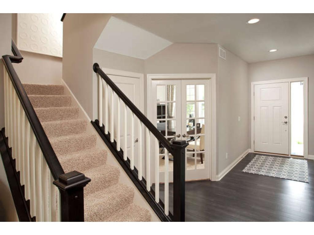 Photos of a Riverton Model (same floor plan, but finishes and options may vary)