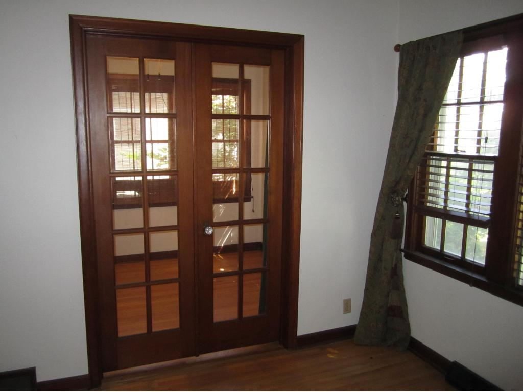 French doors leading to sun room