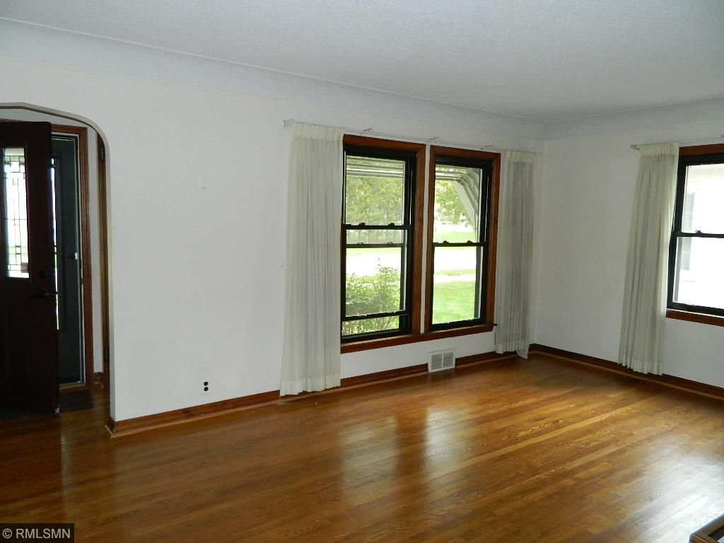 Formal or casual dining area/room off kitchen