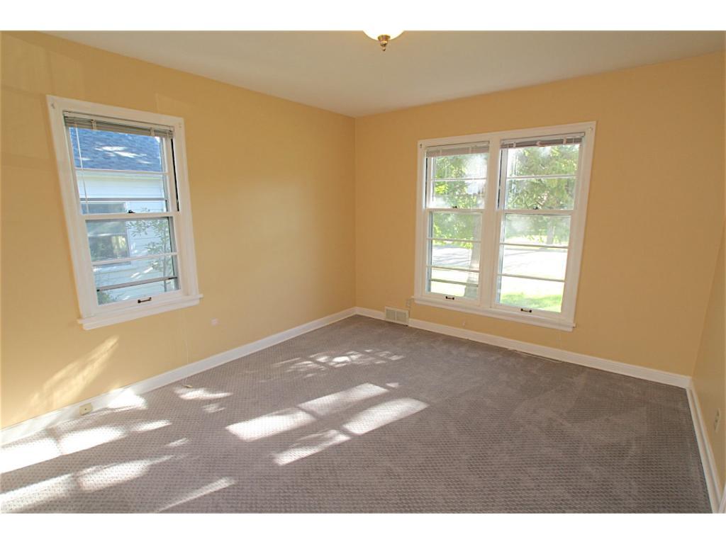 Main Floor Bedroom - New Carpet!