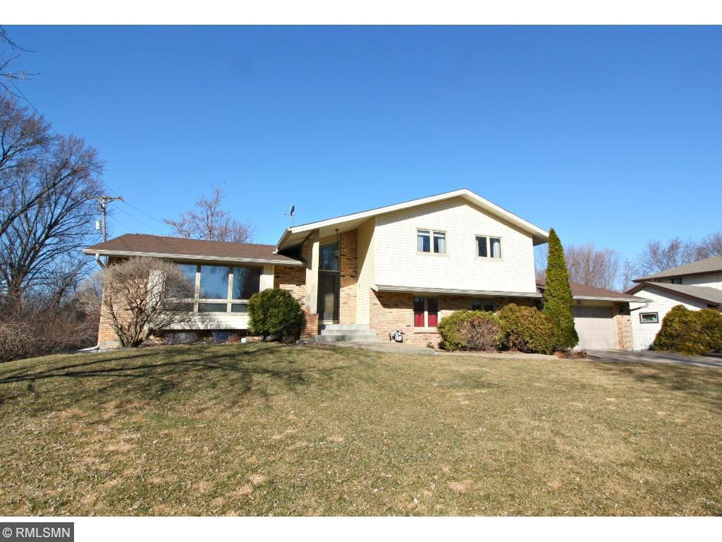 Ious Home In Great Location Close To Schools Parks Restaurants Ping