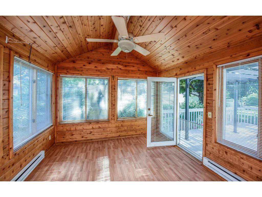 Four Season Porch with ceiling fan