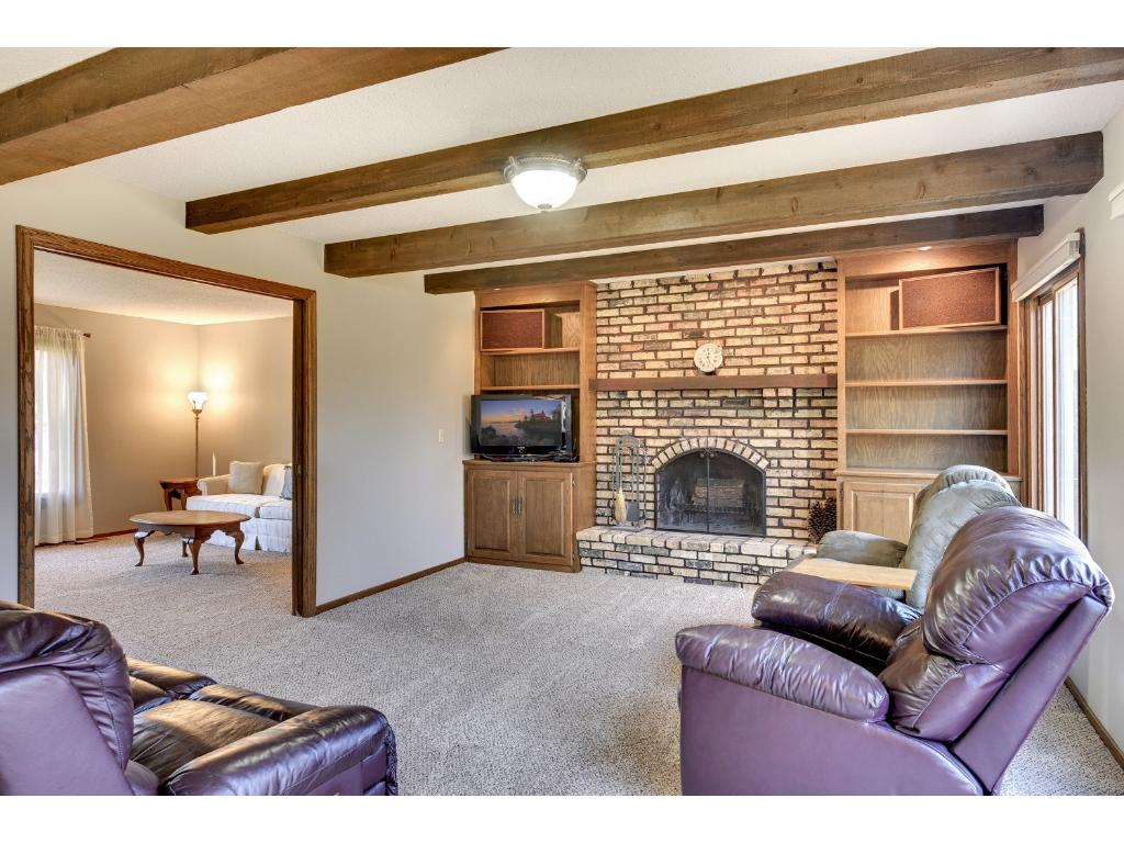 1st Floor Family With Wood Burning Fireplace