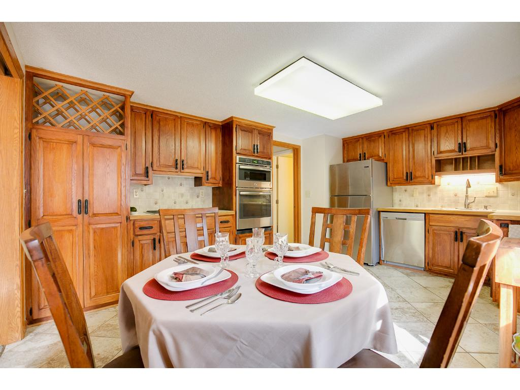 Eat in kitchen in addition to separate dining room
