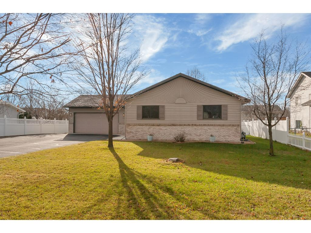 Welcome home to 5872 Rolling Ridge Road, St. Cloud.  It's a great neighbor that you'll love!