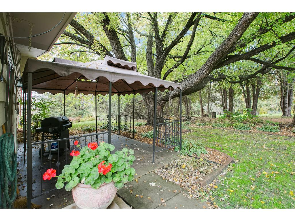 Secluded side patio for hosting friends and family!