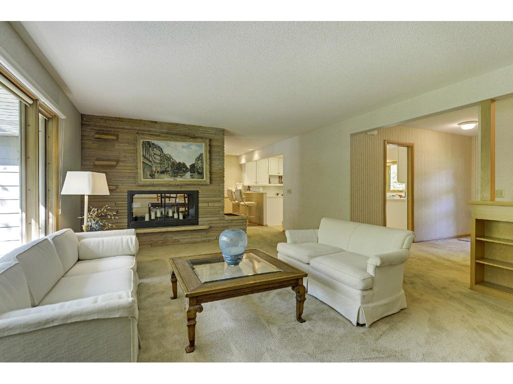 edina chat rooms Find pricing & reviews for sunrise of edina at a place for mom  room type   there are lots of spaces that residents and their guests can sit and chat/hang.