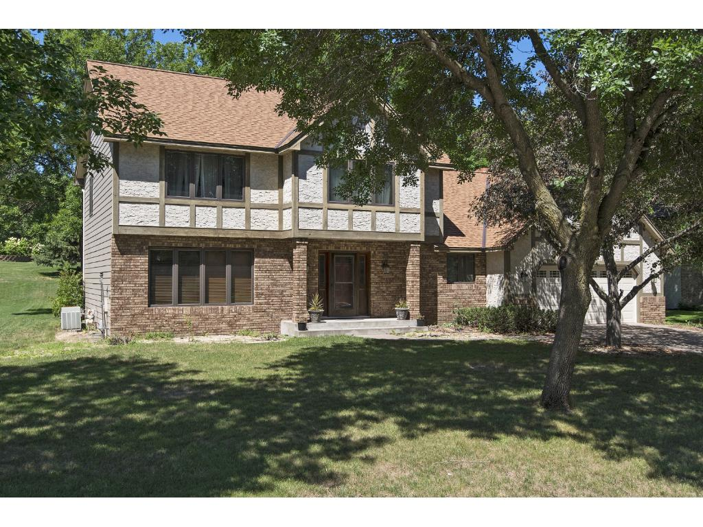 5981 scenic place shoreview mn 55126 mls 4763174 edina realty