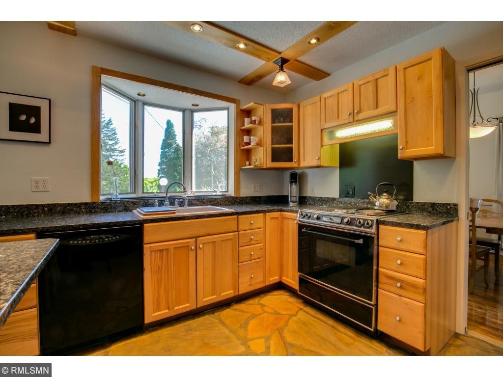 Kitchen has granite, butler's pantry and walk in pantry.