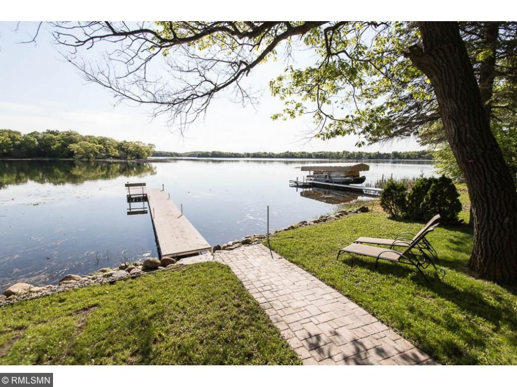 Enjoy your afternoons lounging by the lake.