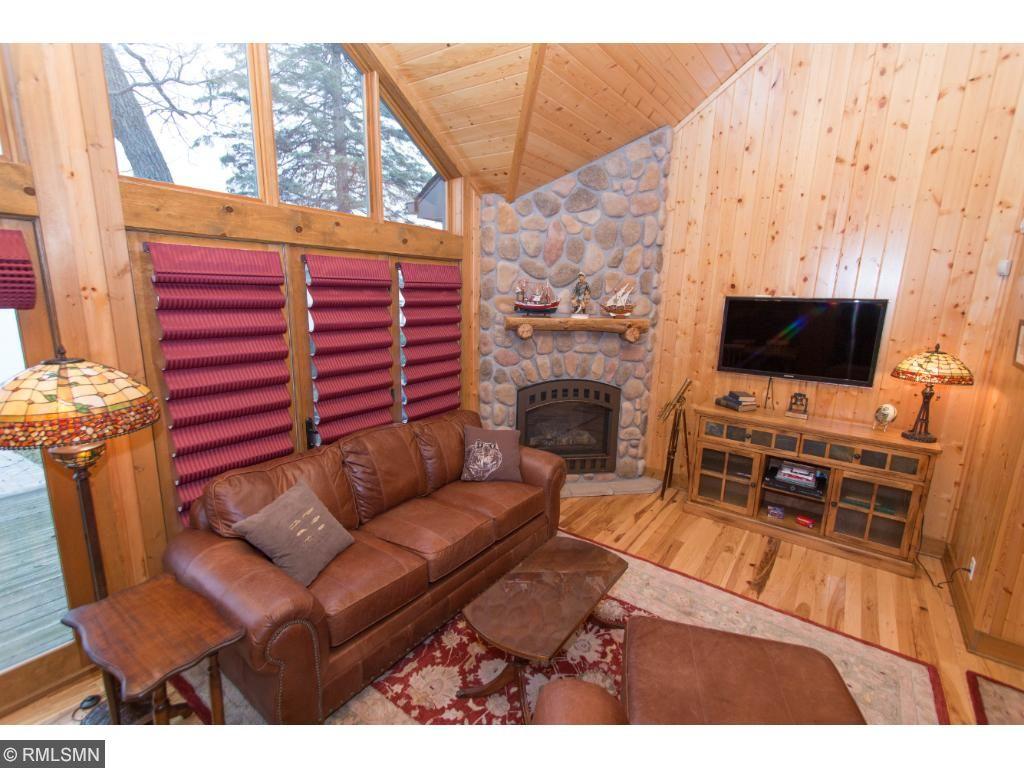 Cozy & rustic interior.