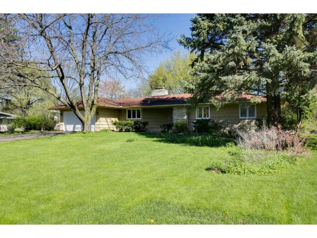 Just a gorgeous lot and home - great access in Edina.
