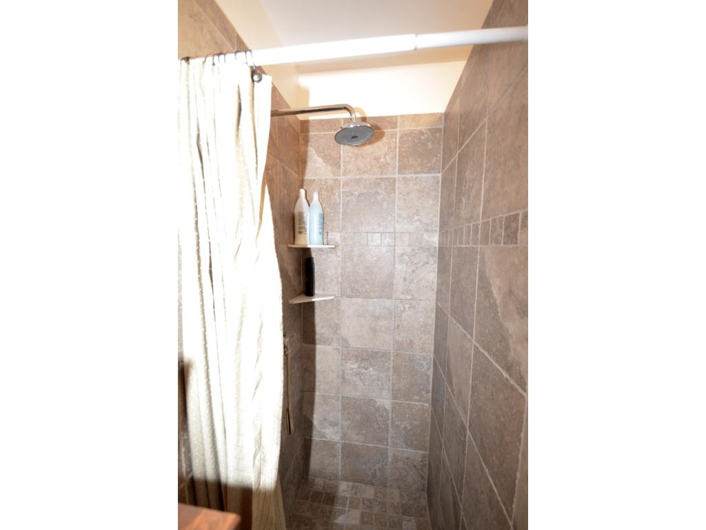 ....this great tiled shower!
