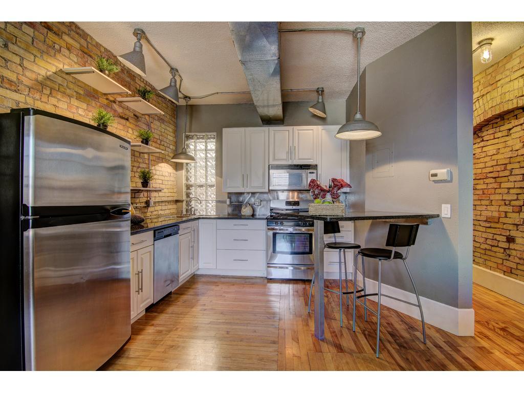 Appliances Minneapolis 605 S 9th Street 7 Minneapolis Mn 55404 Mls 4741378 Edina
