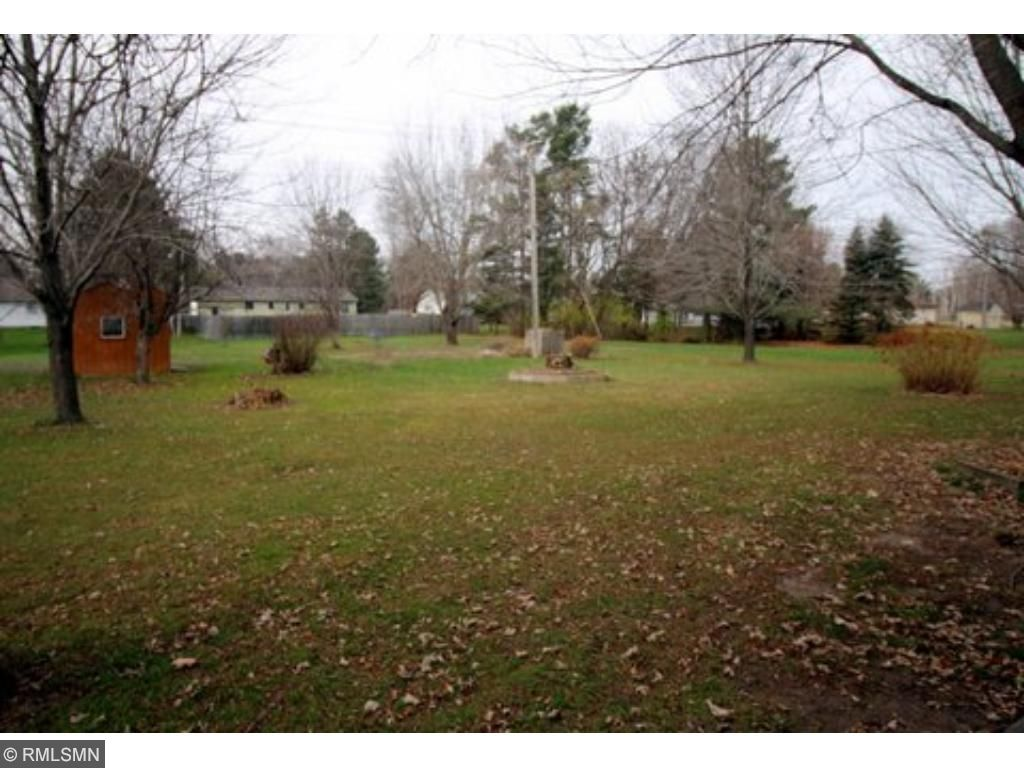 Just another view of the huge back yard; great for kids, pets and gardeners.