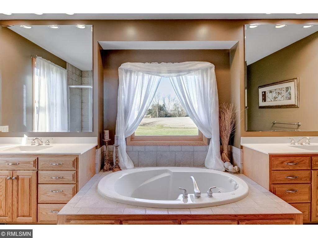 Master Bath with Tub!