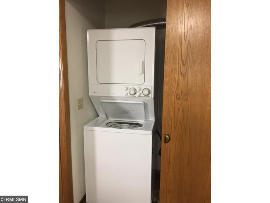 Stacjed full sized washer/dryer