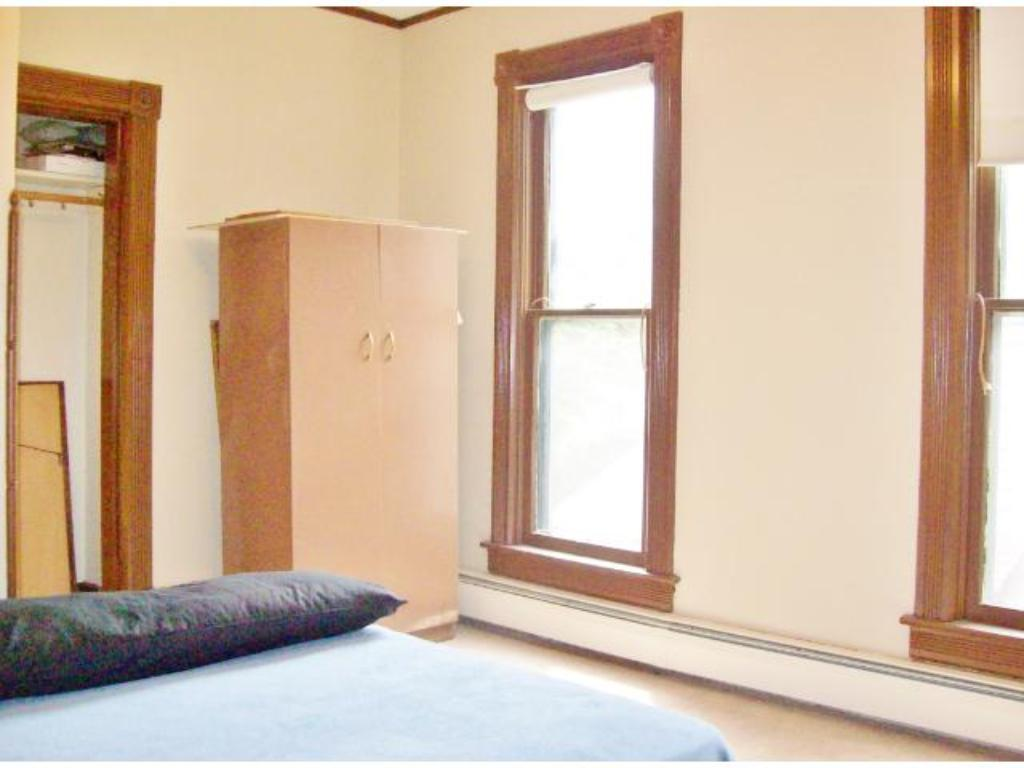 2nd level bedroom.