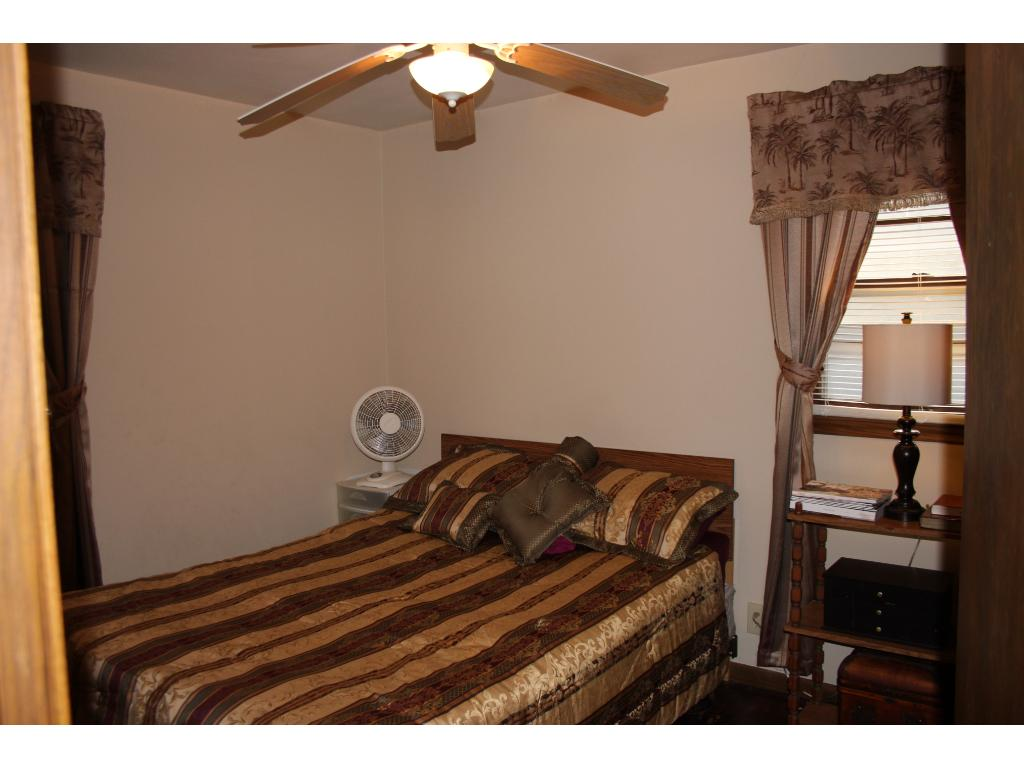 3 BR's 1-Level