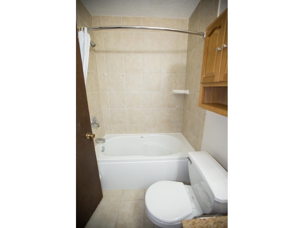 Tiled Shower/Tub
