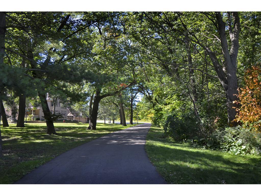 Walking path to and around Cherokee Park.